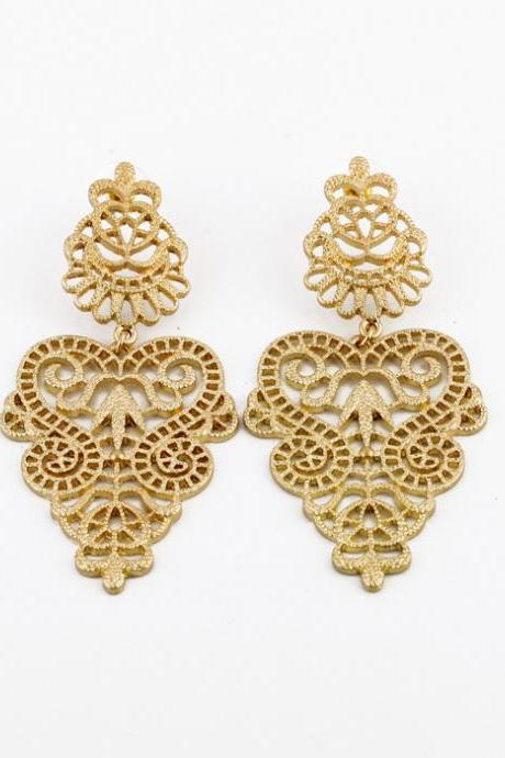 Hot Selling Elegant Gold Color Metal Hollow Earrings for Women EH001